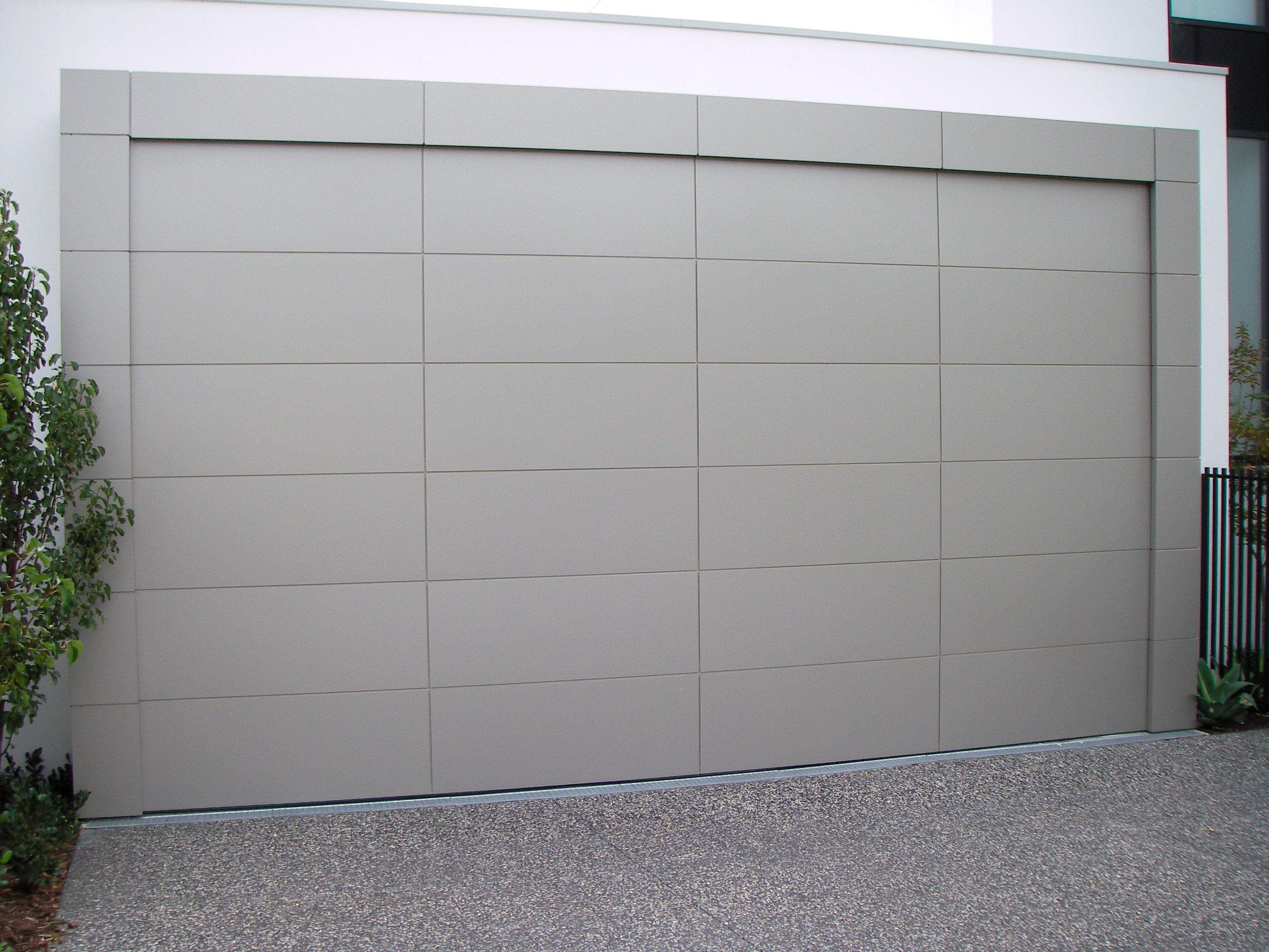 & Aluminium Composite Garage Door